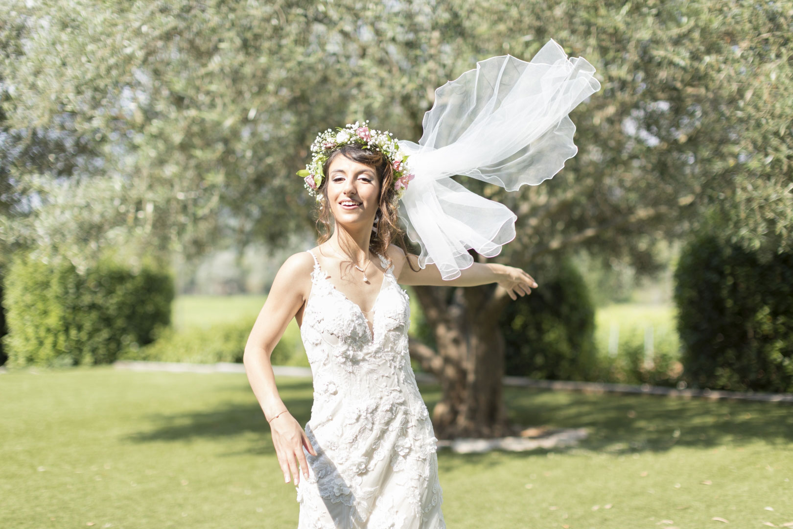 mariage-photographe-destination-elopement-francais-style-mariage-provence-olivier-dress-robe-mariee