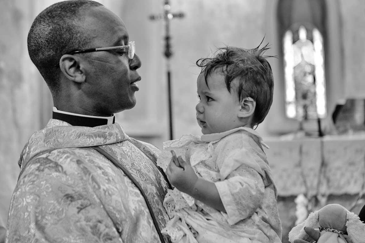 bapteme-eglise-ceremonie-bebe-reportage-photo-photographe-professionnel-eucleia-var-paca-aix-provence