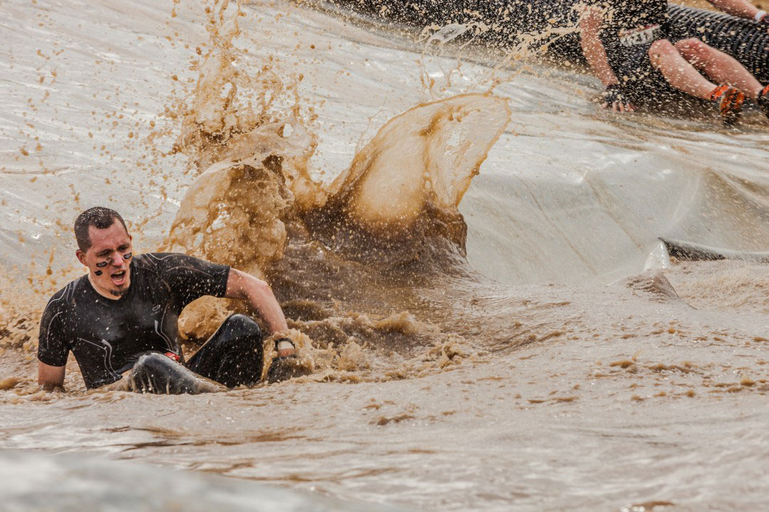 Mudday-sport-mouvement-action-boue
