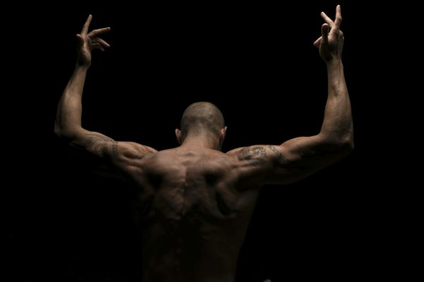 nude-artistic-clear-dark-man-boy-body-glamour-studio-eucleia-photo-var-vaucluse-lyon-marseille-body-building-sensuality-monaco-photographer