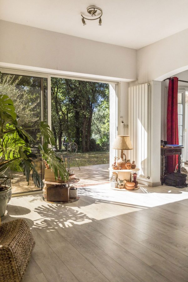 real-state-house-sale-rental-apartment-photo-guest-provence-aix-toulon-marseille-monaco-france-south