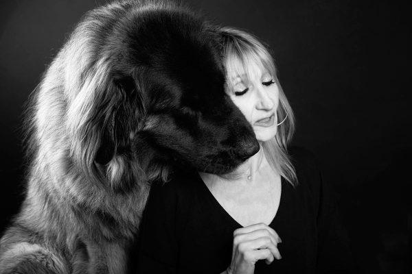 photo-noir-blanc-chien-leonberg-animal-domestique-studio-aix-provence-toulon-saint-maximin-var-seance